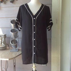 F21 black white long tunic boyfriend sports shirt